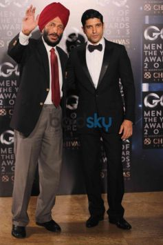 Farhan Akhtar & Milkha Singh at GQ Man of the Year Award 2013