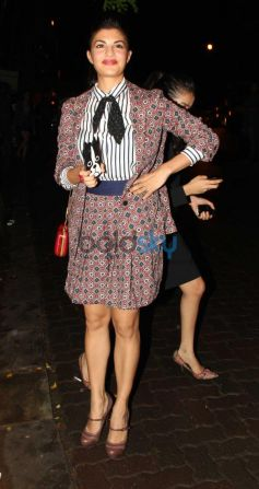 Jacqueline Fernandez posing camera In checker dress at Olive Bar