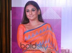 Vidya Balan Wears Three Quarter Sleeve Blouse
