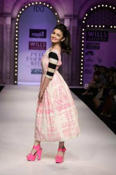Alia Bhatt ramp walk at WiFW