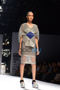 Amit Aggarwal  Designs In WIFW 2013 fashion show