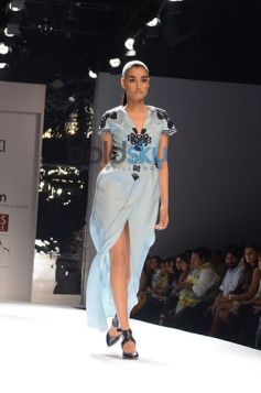 Ankur & Priyanka Modi Designs Day2 WIFW model in beautiful dress