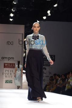 Ankur & Priyanka Modi Designs Day2 WIFW model walk