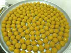 Atta Ladoo Recipe For Diwali