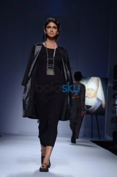 Day 2 of Wills India Fashion Week model with chain on neck
