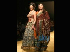 Hema Malini: Dream Girl's Dual-Toned Saree