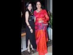 Hema Malini: Dream Girl's Neon Saree