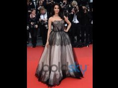 Mallika Sherawat Birthday Special beautiful outfit