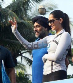 Sonam Kapoor in Max Bupa Walk for Health event