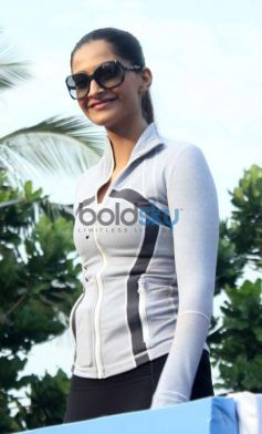 Sonam Kapoor at Max Bupa Walk for Health