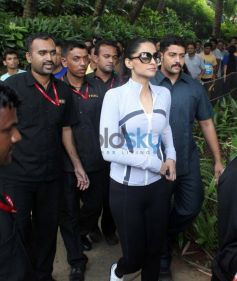 Sonam Kapoor walking towads stage Max Bupa Walk for Health