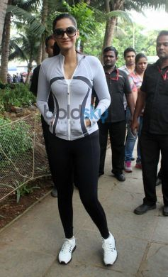 Sonam Kapoor walking in Max Bupa Walk for Health Event