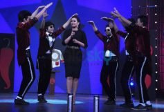 MJ 5 welcomes Sonakshi Sinha on Junior MasterChef tv show sets.
