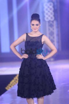 Model in Bombay Bullion Associations Jewellery Show and Awards