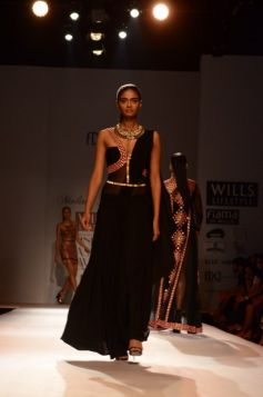 Model in Malini Ramani New Collection for WIFW