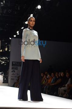 model posing Ankur & Priyanka Modi Designs Day2 WIFW