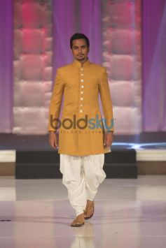 Model ramp at Asif Shah New Collections show