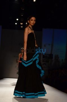 Model Walks Malini Ramani New Collection for WIFW