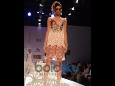 Model With Geisha Designs by Paras & Shalini