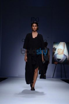 Models ramp on Day 2 of Wills India Fashion Week