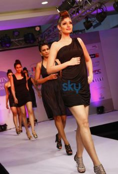 Models walked the ramp at Femina Festive Showcase 2013 at R Mall