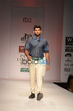Niket & Jainee at WIFW ramp walk