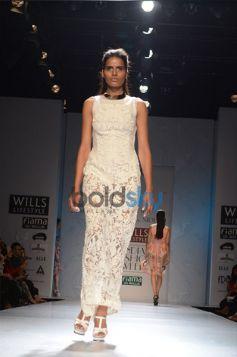 Pankaj & Nidhi Designer Collection Day2 WIFW_13