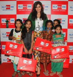 Pooja Chopra celebrates Diwali at BIG FM