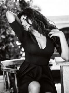 Priyanka Chopra becomes Ambassador for Guess