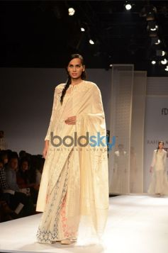 Rahul Mishra Collection Day2 WIFW model in beautiful saree