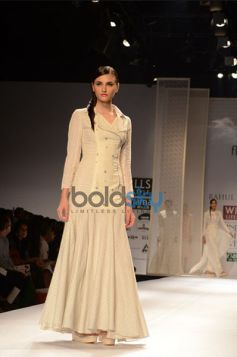 Rahul Mishra Collection Day2 WIFW model walk