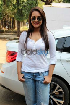Sonakshi Sinha attended Smile on Wheels Events