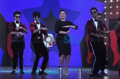 Sonakshi Sinha dancing with MJ 5 on Junior MasterChef tv show