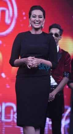 Sonakshi Sinha promotes R... Rajkumar on Junior MasterChef her upcoming movie