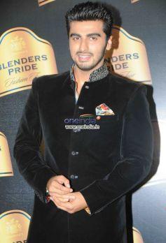 Arjun Kapoor walks the ramp at Blenders Pride Fashion Tour 2013