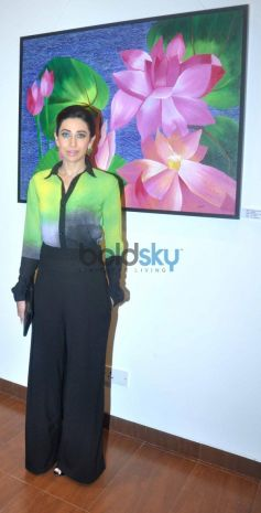 Bollywood actoress Karisma Kapoor at the Painting Exhibition