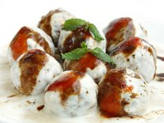 Dahi Bhalle Indian Snack Recipe
