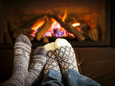 Decor Ideas For Winter Fireplace