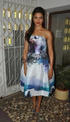 Deepika Padukone Looking Beautiful Star Week unveil