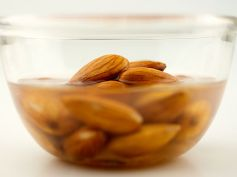 Diet Tips For Flat Abs have Almonds