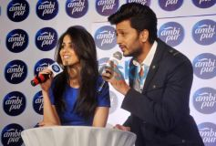 Genelia D'Souza and Riteish Deshmukh speaking to media