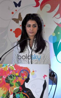 Genelia D'Souza Speaking to media At Event