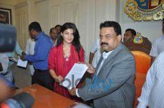 Jacqueline Fernandez handover letter to Mayor Sunil Prabhu