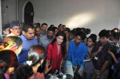 Jacqueline Fernandez having convergation with PETA  activist
