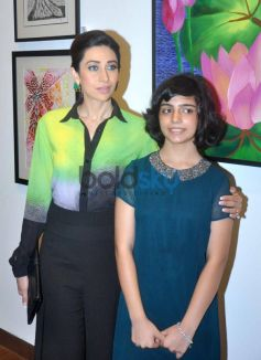 Karishma Kapoor with artist Vedika Kanchan at the Painting Exhibition