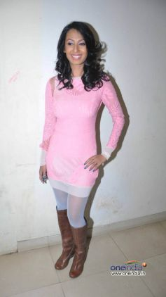 Kashmera Shah at Country Club New Year Bash 2014  Event