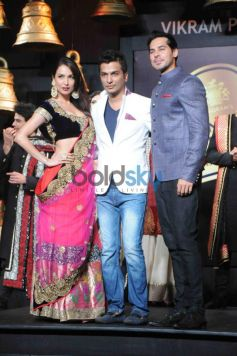 Malaika Arora Khan with Dino Morea on Ramp with Designer