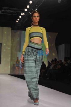 Model ramp walk Signature International Fashion Week End