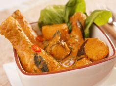 Natu Kodi Pulusu Andhra Chicken Curry