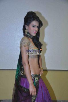 Nia Sharma Welingkar Event
